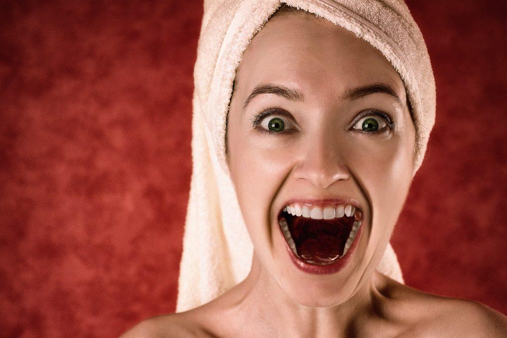 Comment blanchir les dents avec du charbon de bois ?