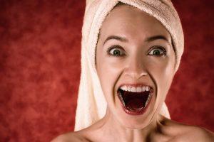 Comment blanchir les dents avec du charbon de bois - Jaimebienvivre